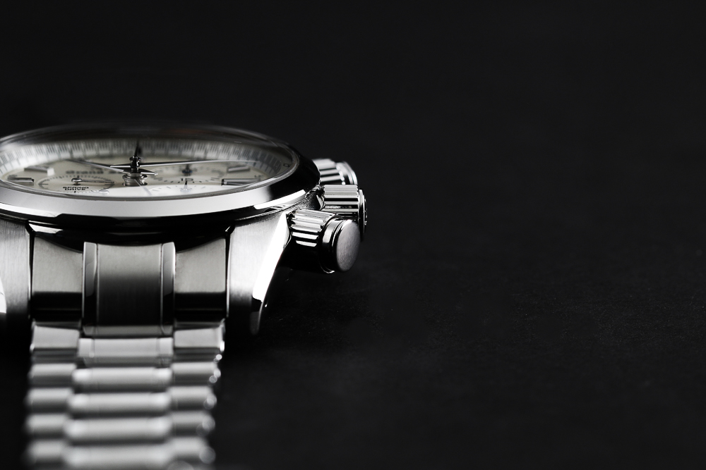 Case and bracelet detail of Grand Seiko SBGC201.