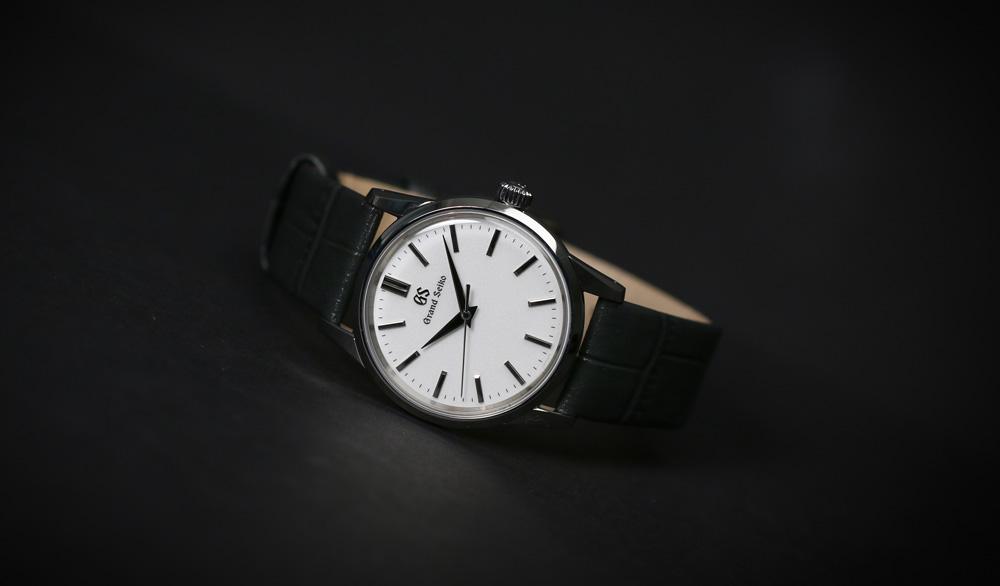 Grand Seiko SBGX347 white dial wristwatch for men and women